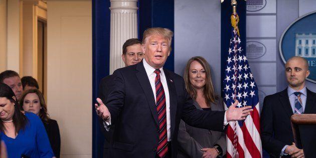 Donald Trump arrivant dans la salle de presse de la Maison Blanche à Washington le 3 janvier