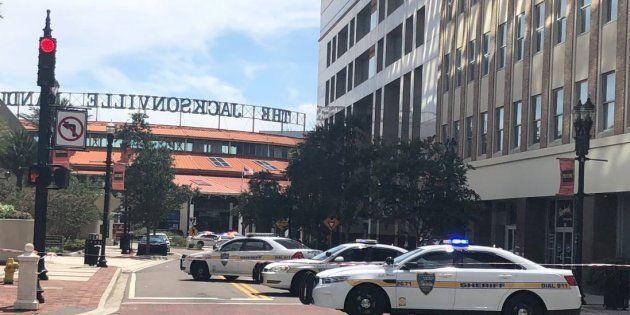 Jacksonville: une fusillade éclate dans un centre commercial en