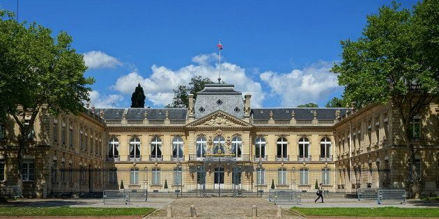 La préfecture des Yvelines à Versailles (photo