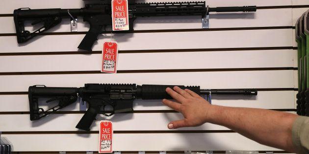 Des fusils AR-15 en solde dans