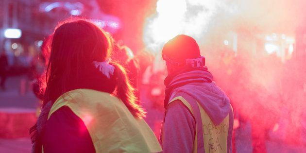 Participants à la manifestation des gilets jaunes à Nantes (photo