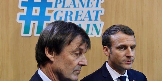 Le président Emmanuel Macron et son ancien ministre de la Transition écologique assurant la promotion...