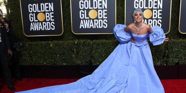 Lady Gaga sur le tapis rouge du Hilton de Beverly
