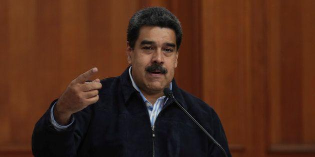 Nicolas Maduro lors d'une réunion pour signer des accords pétroliers le 28 août