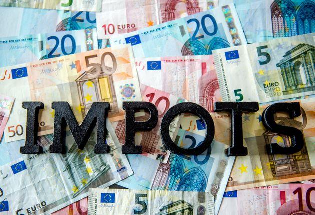Impôts: 2000 déclarations fiscales modifiées par des
