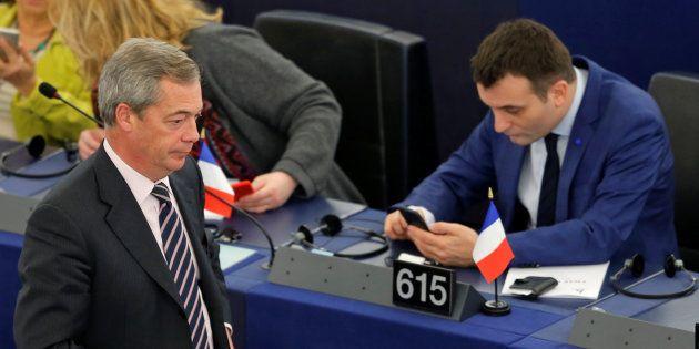 L'ancien chef de file du Ukip britannique Nigel Farage doit envoyer un message