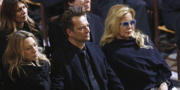 Sylvie Vartan aux côtés de David Hallyday et Laura Smet, le 9 décembre aux funérailles de Johnny