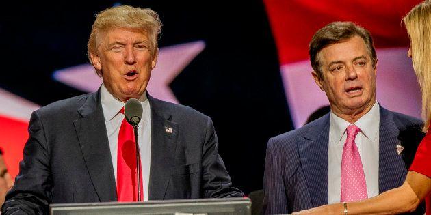 Paul Manafort et Donald Trump lors d'une meeting de campagne dans l'Ohio en juillet