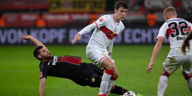 Benjamin Pavard lors d'un match face au Bayer Leverkusen en novembre