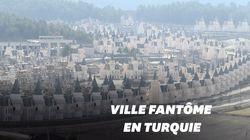 Cette ville de faux châteaux français à l'abandon fait froid dans le