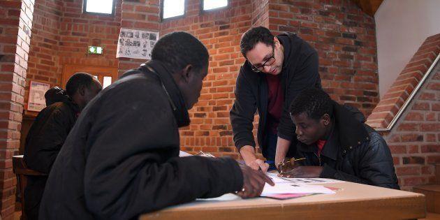 Des réfugiés africains étudient, le 1er février, au couvent de Thal-Marmoutier, dans le Bas-Rhin (Image