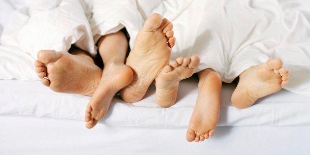 Comment un simple coup d'un soir a vrillé en une nuit avec des jumeaux (Photo