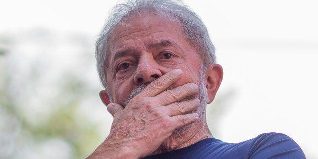 Lula mis hors course pour la présidentielle au Brésil après le vote du Tribunal