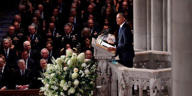 Barack Obama a livré un hommage poignant à son ancien adversaire John