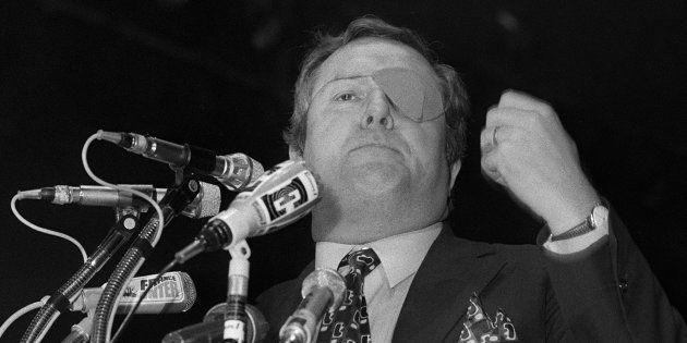 Jean-Marie Le Pen, ici en campagne pour les législatives de 1973, livre la vérité sur la perte de son...