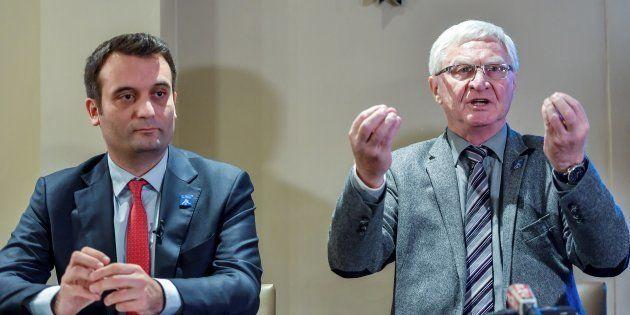 José Evrard en conférence de presse à Lens aux côtés de Florian