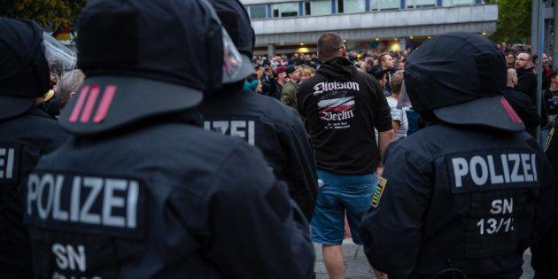 Le 1er septembre, la police intervient lors d'une manifestation de l'extrême droit à