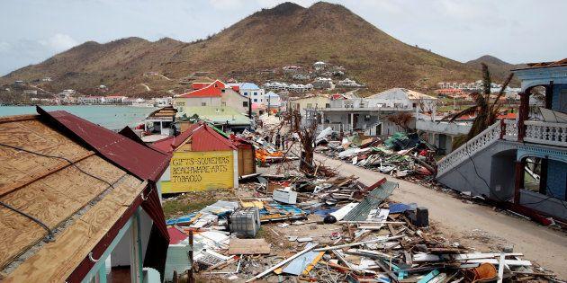 Des bâtiments et maisons détruits sur l'île de Saint-Martin après le passage de l'ouragan Irma (photo...