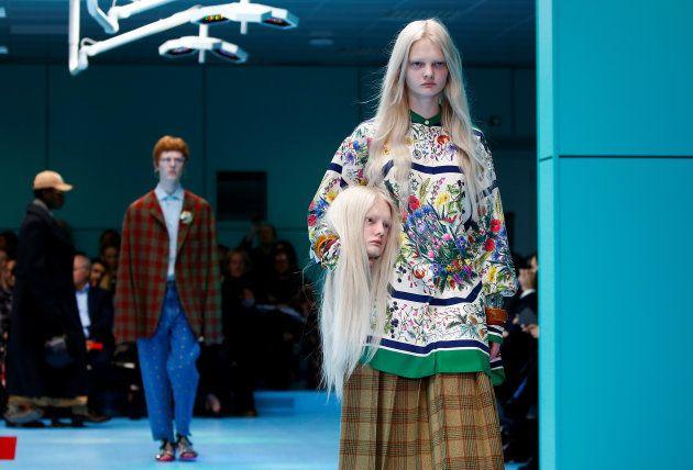 5ffc35852b7 Fashion Week de Milan  la mode perd la tête au défilé Gucci
