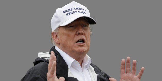 Donald Trump à la frontière avec le Mexique début
