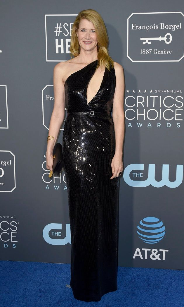 Julia Roberts ose une tenue originale aux Critics Choice