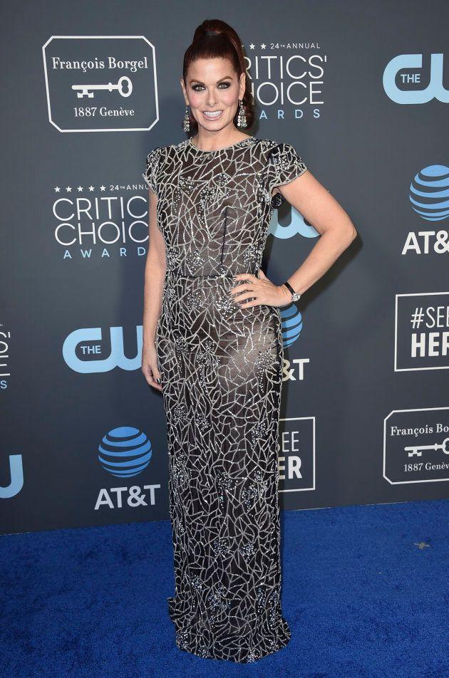 Julia Roberts ose une tenue originale aux Critics Choice