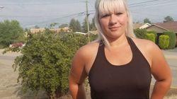 Cette Canadienne pense avoir été licenciée car elle ne portait pas de soutien-gorge au travail et porte