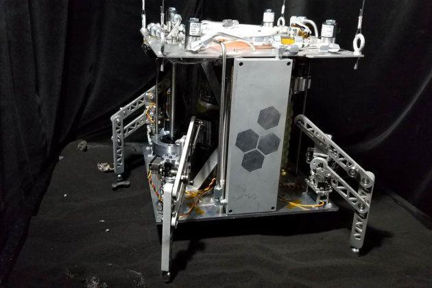 Wine, un vaisseau spatiale qui mine de l'eau et fonctionne à la