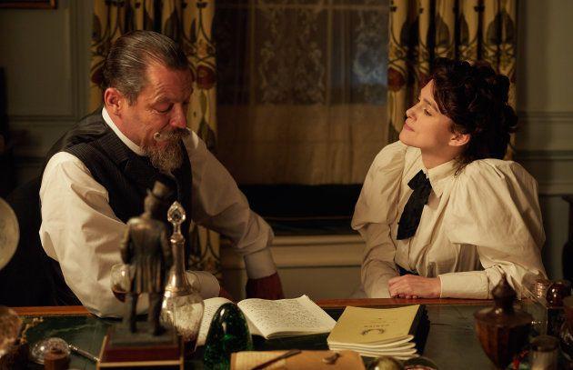 Dominic West joue Henry Gauthier-Villars, alias Willy, aux côtés de Keira Knightley dans