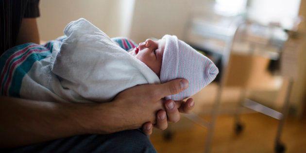 Il est temps de lever l'anonymat de l'accouchement sous X.