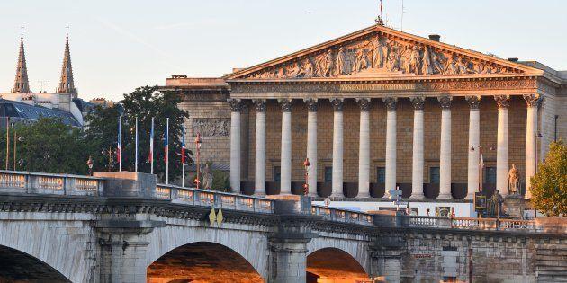 Une vue extérieure de l'Assemblée nationale à Paris (photo