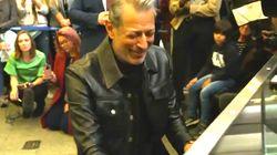 Le show de Jeff Goldblum dans une gare de Londres a ravi les