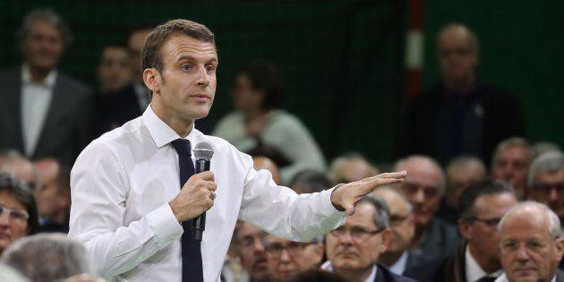 Grand débat: Macron face aux maires, un échange vu par plus d'un million de personnes (Photo prise le...