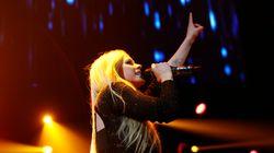 Après avoir frôlé la mort, Avril Lavigne annonce son