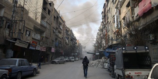Ce dimanche, les bombardements ont continué à proximité de la ville de Douma, en dépit de la résolution...