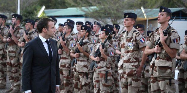 Trois semaines après avoir rendu visite aux soldats de l'opération Barkhane au Tchad, Emmanuel Macron...