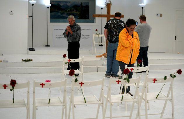 Visite de l'église de Sutherland Springs, au Texas, transformée en mémorial