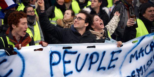 Les gilets jaunes ne sont pas le peuple français et leurs contradictions sont