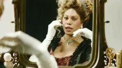 Laverne Cox se prend pour Marie-Antoinette dans son premier