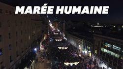 Les Serbes ont fait la queue par milliers pour entr'apercevoir