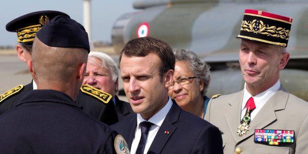 Emmanuel Macron sur la base aérienne d'Istres (Bouches-du-Rhône) le 20 juillet