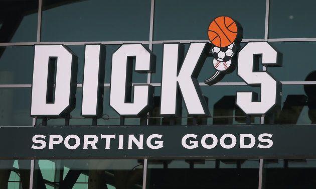 Après Parkland, Dick'sSportingGoods arrête de vendre des fusils d'assaut