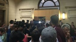Au procès Méric, un mouvement de foule après l'audition de Serge