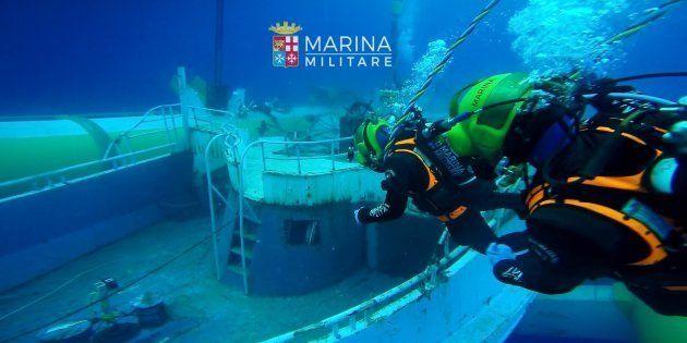 L'épave du navire qui avait fait naufrage en avril 2015 et lors duquel était mort l'adolescent