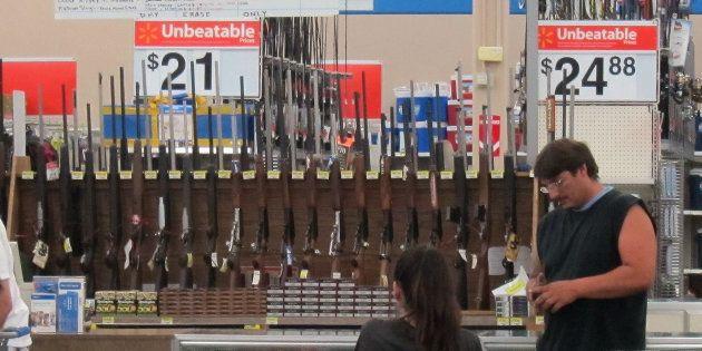 Le géant américain Walmart interdit la vente d'armes aux moins de 21