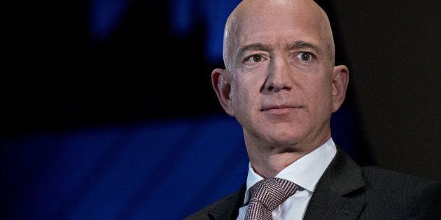 Les 26 plus riches ont autant d'argent que la moitié de l'humanité (Photo de Jeff Bezos, prise le 13...