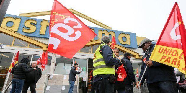 Les futurs ex-salariés de Castorama obligés de former leurs remplaçants polonais? L'entreprise parle