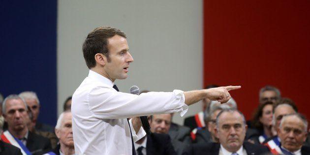 Macron utilise le grand débat pour construire sa campagne de