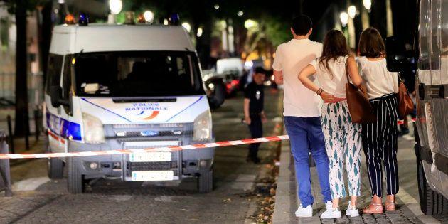 L'homme qui a agressé sept personnes au couteau à Paris mis en examen et
