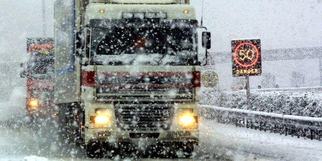 Vitesse réduite à cause de la neige, transports scolaires annulés... le point sur les